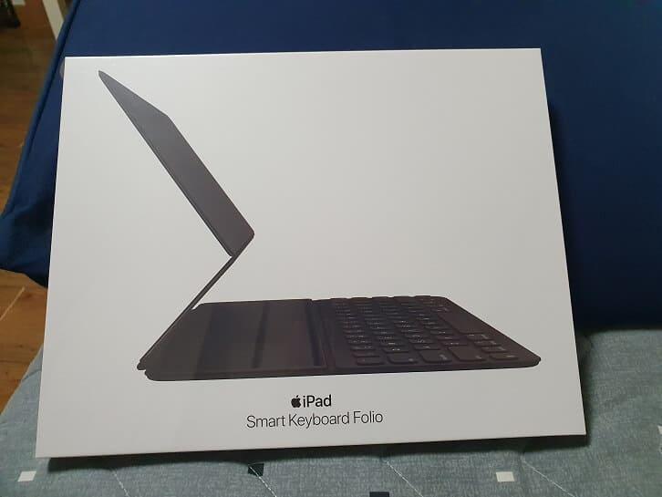 Apple Smart Keyboard Folio 2nd Generation